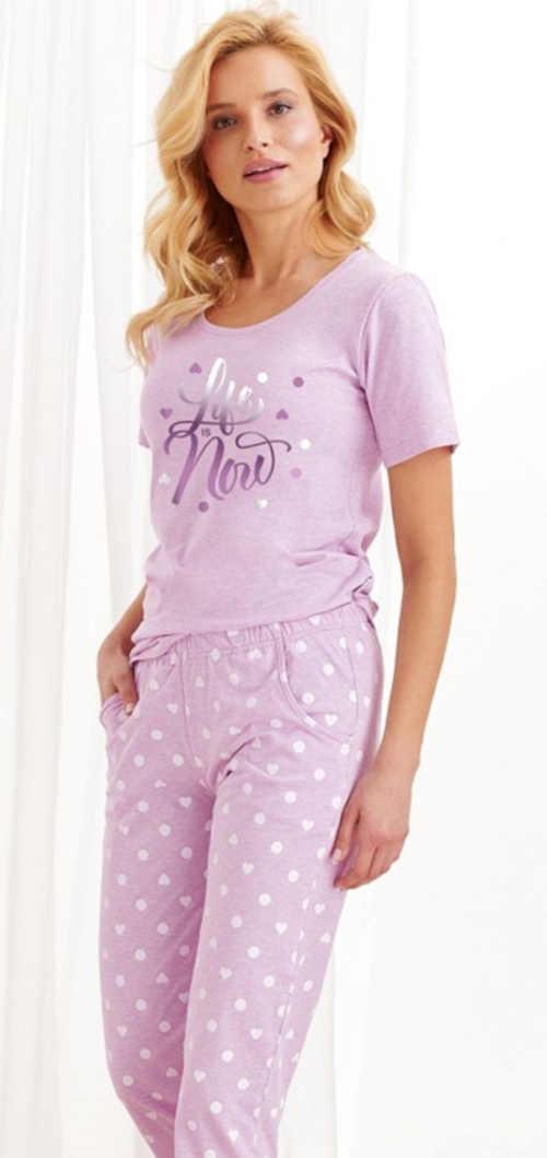 Nowoczesna piżama damska z napisem w kolorze jasnofioletowym