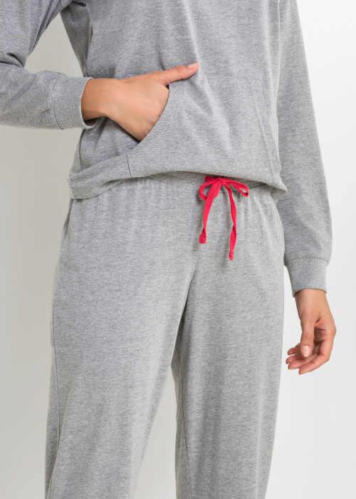Piżama z długim rękawem i kieszonką